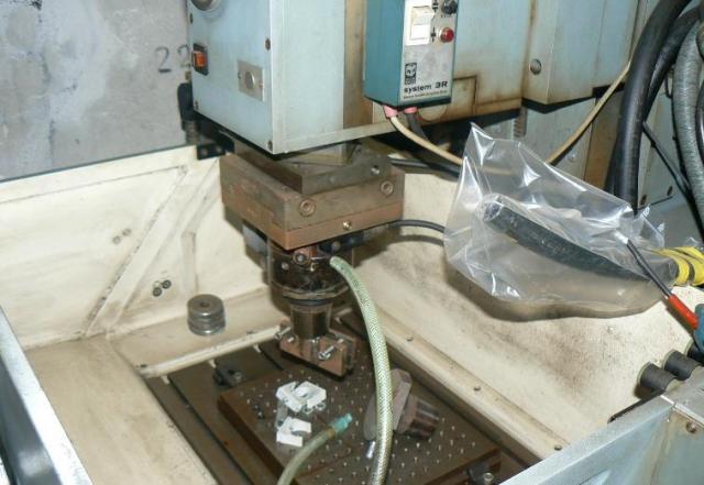 Ostatné stroje - vyiskrovačky - Agie EMS-15