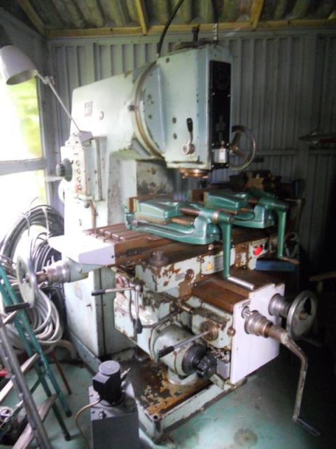 Milling machines - vertical - 6P 12