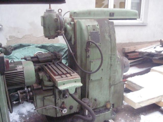 Milling machines - universal - 8N 81