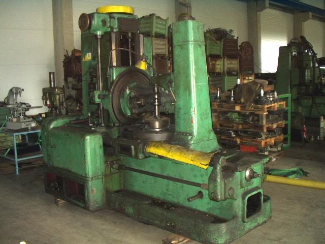 Stroje na ozubení - frézky na ozubení - FO 10