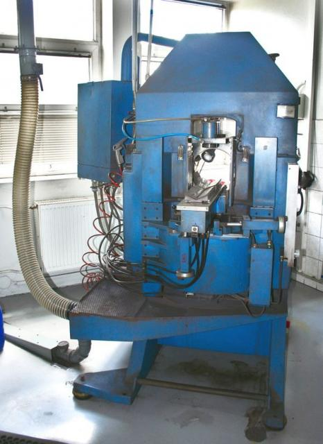 Ostatní stroje - pily - Pila s vnitřním řezem TS 23