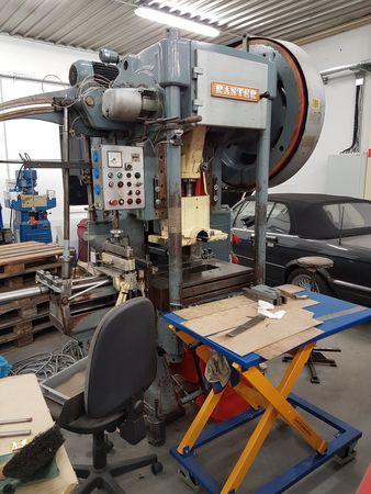 Ostatní stroje - vysekávací stroje - RH 80 NL