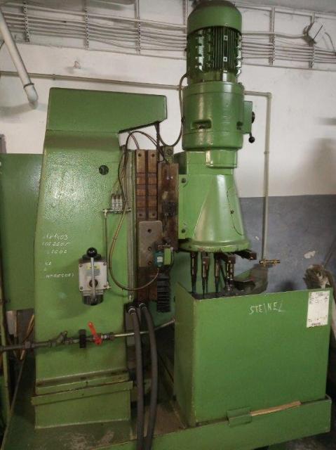 Vrtačky - ostatné  - 8-vřetenový vrtací stroj