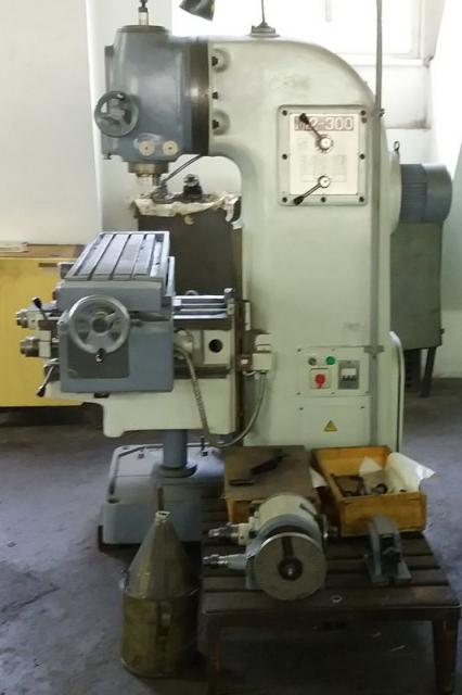 Milling machines - vertical - M12-300