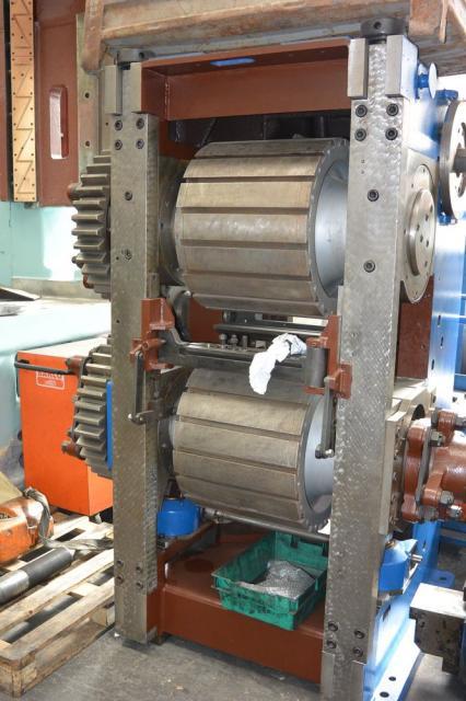 Other machines - thread rollers - Válcovačka UL 40