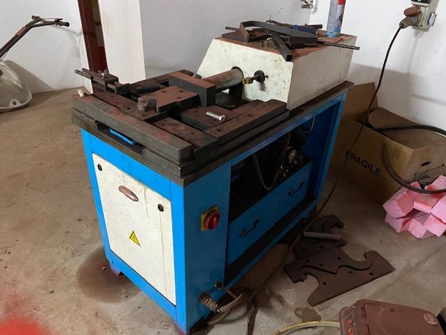Other machines - others - Modelovací tvářecí stroj JGY-16B