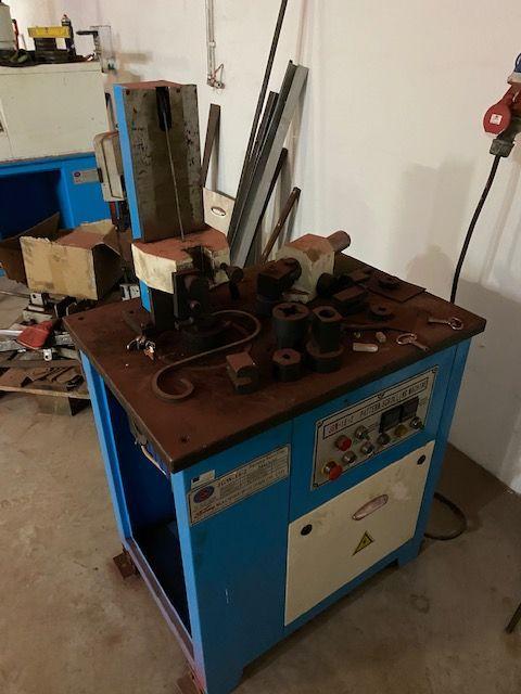 Ostatní stroje - ostatní - Stroj na stáčení /skrucování materiálu