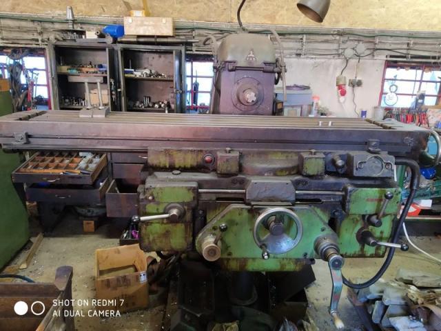 Milling machines - universal - FA 4U