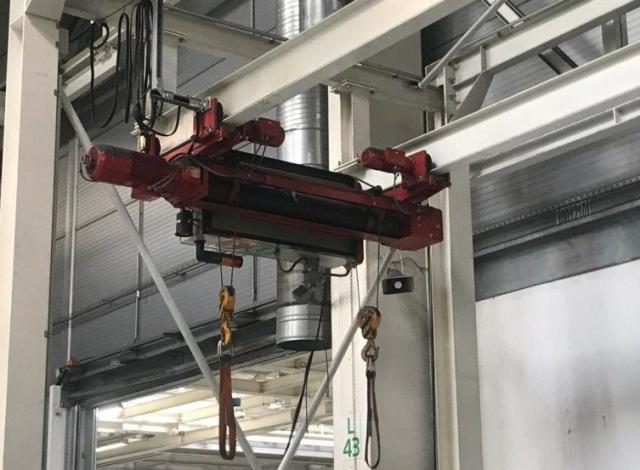 Ostatné stroje - žeriavy - 2x500kg